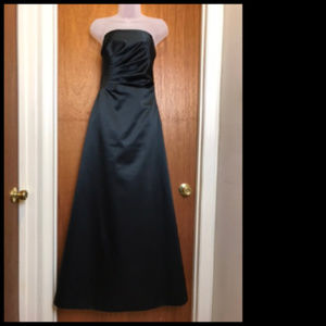Black Satin Like Strapless Gathered Bodice Formal